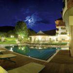 Schwimmbad außen (Foto © Hotel Mirabell)