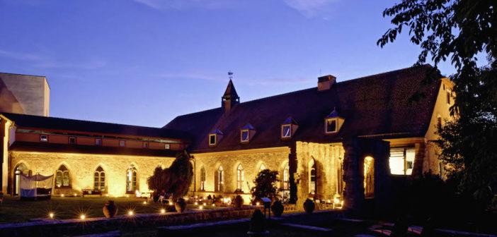 Hotel Kloster Hornbach beleuchtet (alle Fotos: © Kloster Hornbach)