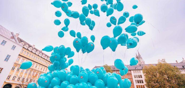 Ballonaktion - 800 Ballons gegen den Zuckerfuß. Die Anzahl der Ballons bezieht sich auf die nahezu 800 (Teil-)Amputationen jede Woche in Deutschland an den Füßen von Menschen mit Diabetes. (Foto: © Wörwag)