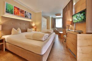 Doppelzimmer im Hotel Castel Serfaus (Foto © Castel Serfaus, Daniel Zangerl)