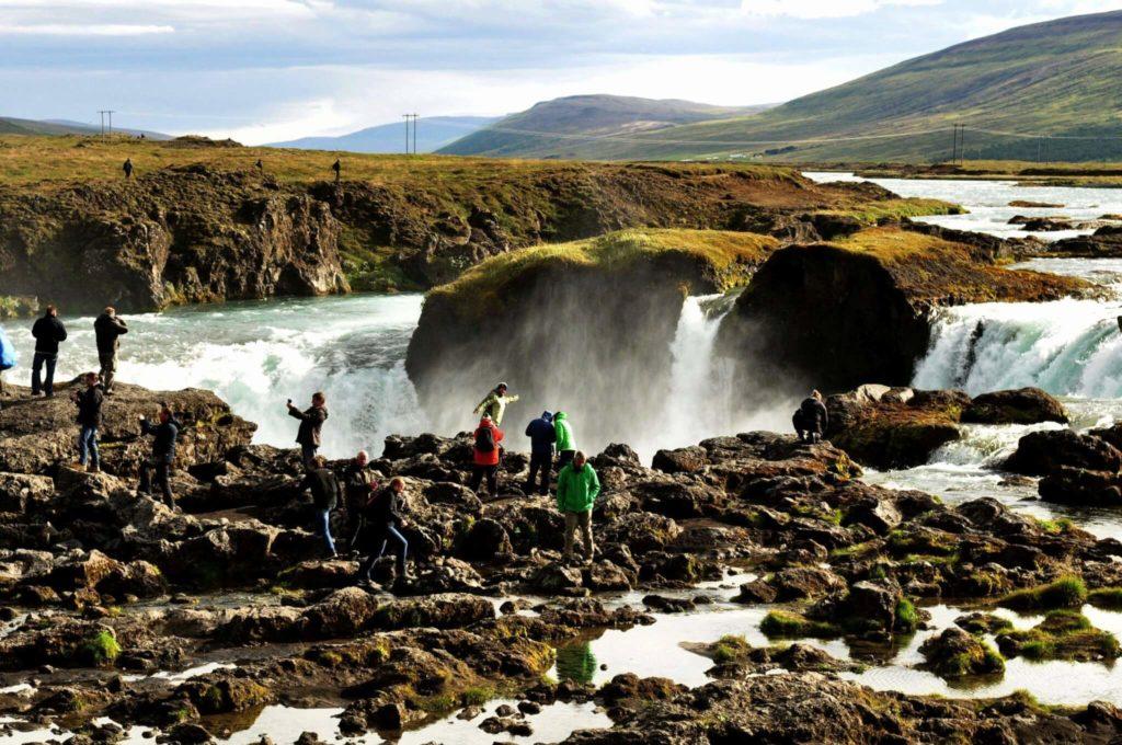 Am Godafoss Wasserfall