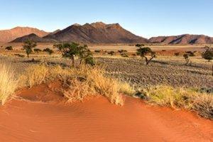 Wüstenlandschaft im NamibRand Naturreservat in Namibia (Foto: Desert Landscape - NamibRand, Namibia : © GSK, fotolia: demerzel21)