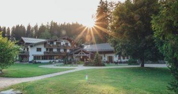 Schlossanger Alp Aussenansicht 1 (Foto: Titelbild, Gewinnspiel: © Hotel Schlossanger Alp, Pfronten)