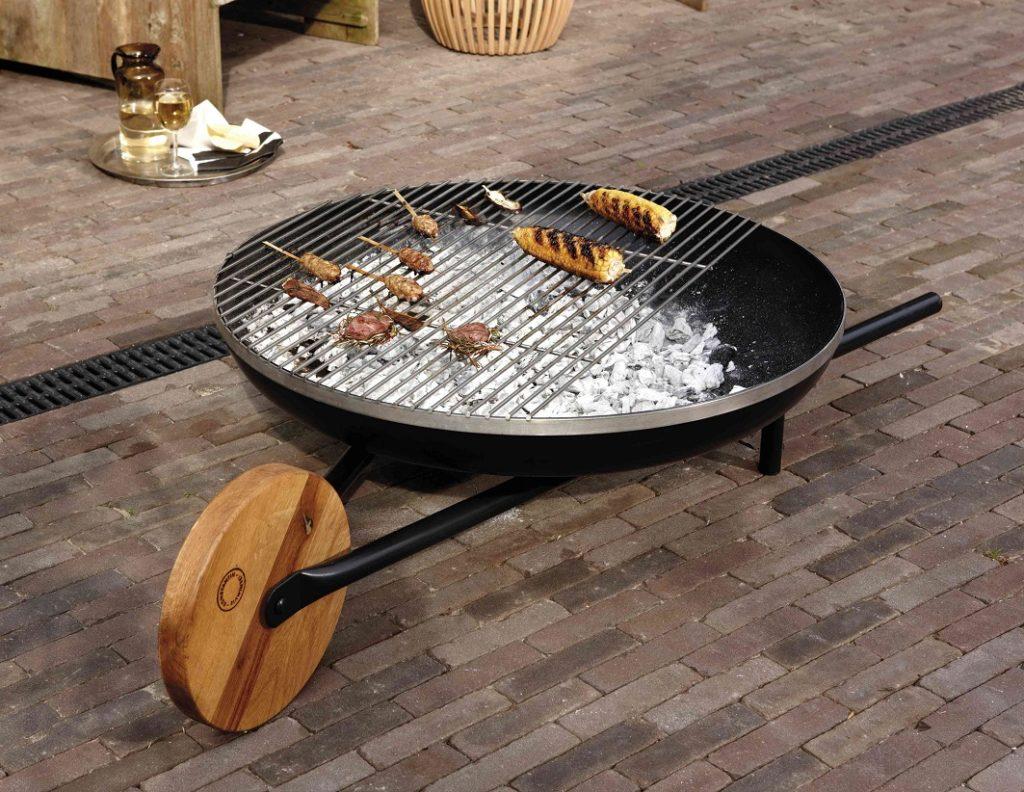 Feuerstelle mit Grillfunktion