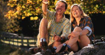 Gesunde Füße beim Wandern - Das gehört im Herbst in den Wander-Rucksack