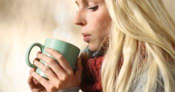 Bei Erkältung mit Husten: Pflanzliche Senföle und Andorn kombinieren