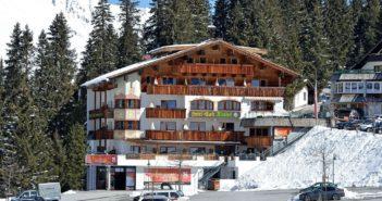Hotel Almhof in Hochfügen im Winter