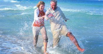 Ehepaar im Wasser