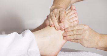 Linderung der Cellulite durch alternative Methoden.