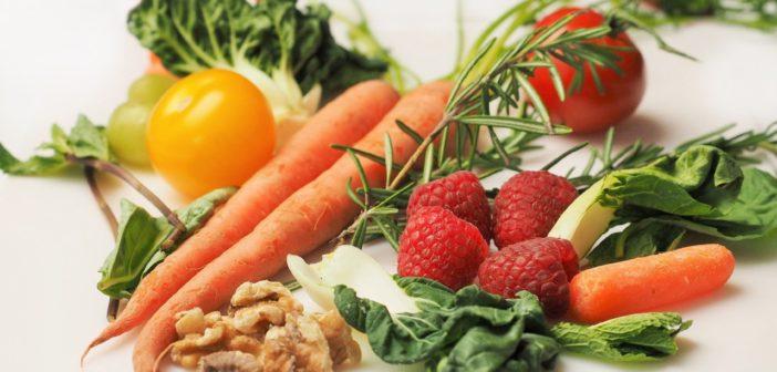 Richtige Ernährung und einnahme von Nahrungsergänzungsstoffen ist sehr relevant bei einem Nährstoffdefizit.