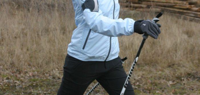 Zur entlastung der Knie ist Nordic Walking eine gute Möglichkeit.