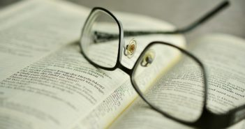 Lesebrille - Augenerkrankungen im Alter