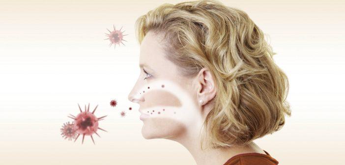 Seitenansicht einer blonden Frau mit Viren